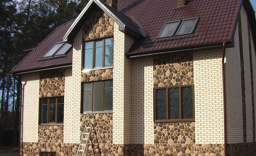 Декоративная клинкерная плитка а фасаде дома на фото