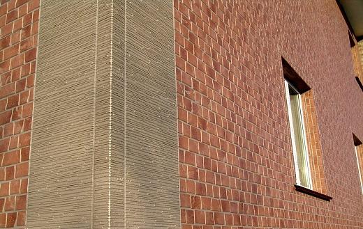 Пример облицовки здания с использованием угловых панелей