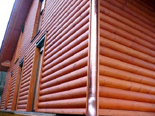 На снимке вагонка блок хаус на фасаде