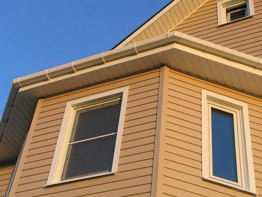 Виниловый сайдинг на фасаде дома