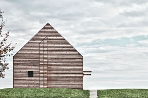 Знаменитый летний дом – Бургенлэнд (архитектор Д. Бэнцер).