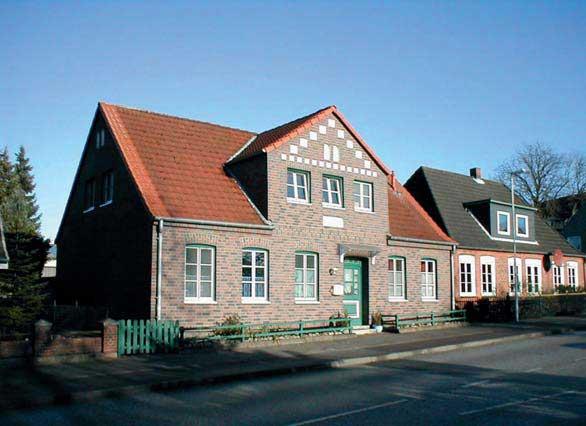 Скандинавский стиль фасада на доме