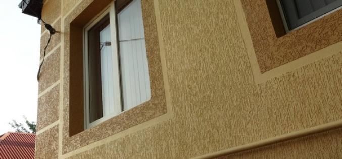 Стилизация фасада декоративной штукатуркой «короед»: как это выглядит и сколько стоит