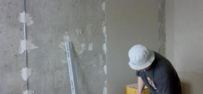 Как правильно штукатурить стены по маякам: инструкция и советы